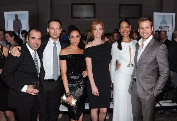 Meghan Markle with her co-stars | Image: Pinterest